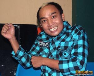 azis_gagap_di_studio_penta_jakbar-20090903-004-anto[1]